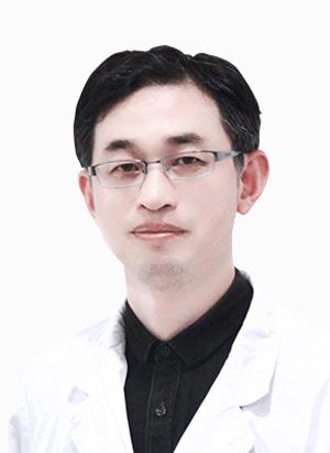贡亦清/副院长、主任医师